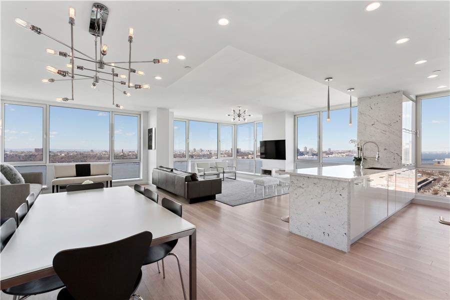 Additional Photo For Property Listing At 635 WEST 42ND STREET 635 West 42nd  Street, 45THFLOOR