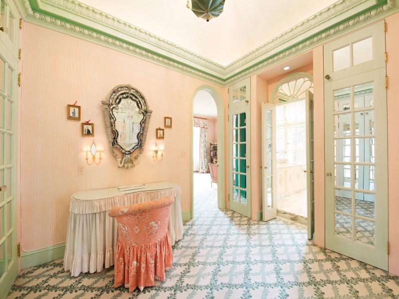 720 Park Avenue Interior Photo