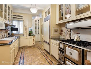 139 EAST 66TH STREET 139 East 66th St #7S New York, New York,10021 United States