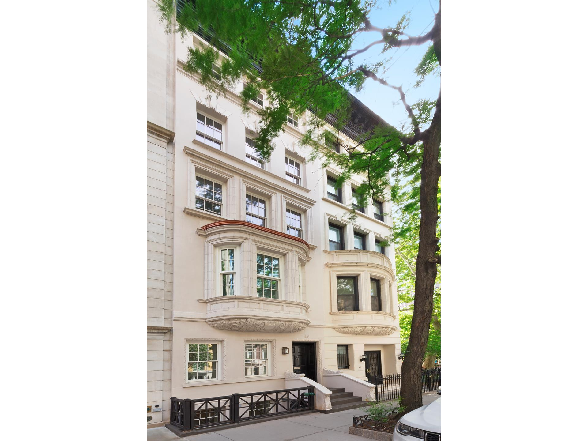 Townhouse for Rent at 46 EAST 82ND STREET 46 East 82nd St New York, New York,10028 United States