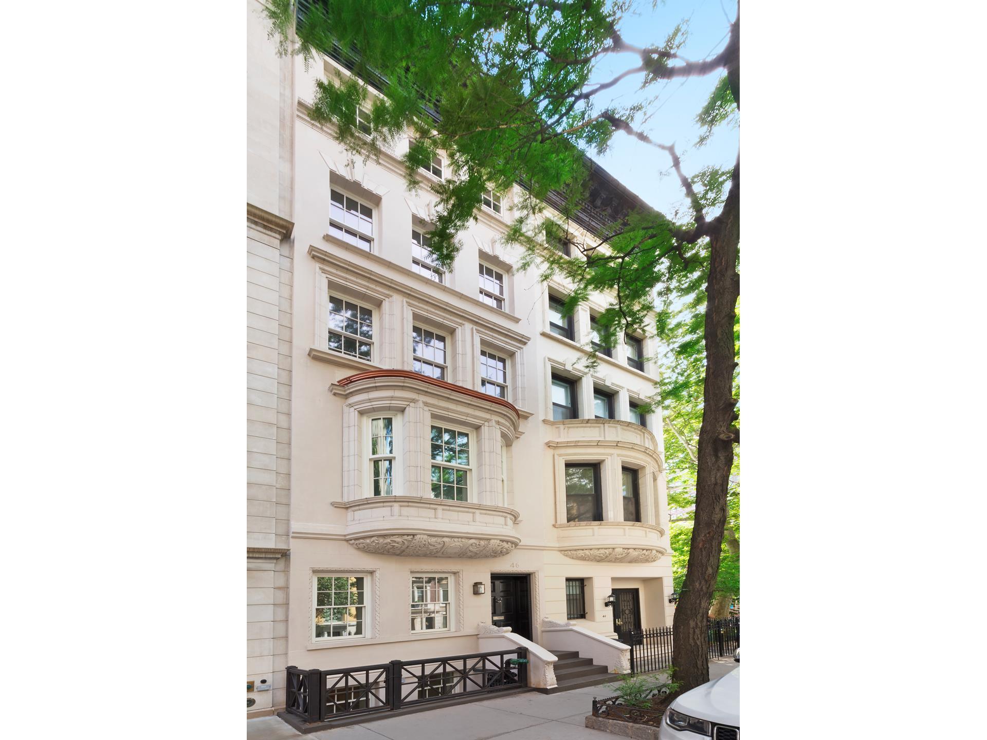 Maison accolée pour l à louer à 46 EAST 82ND STREET 46 East 82nd St New York, New York,10028 États-Unis