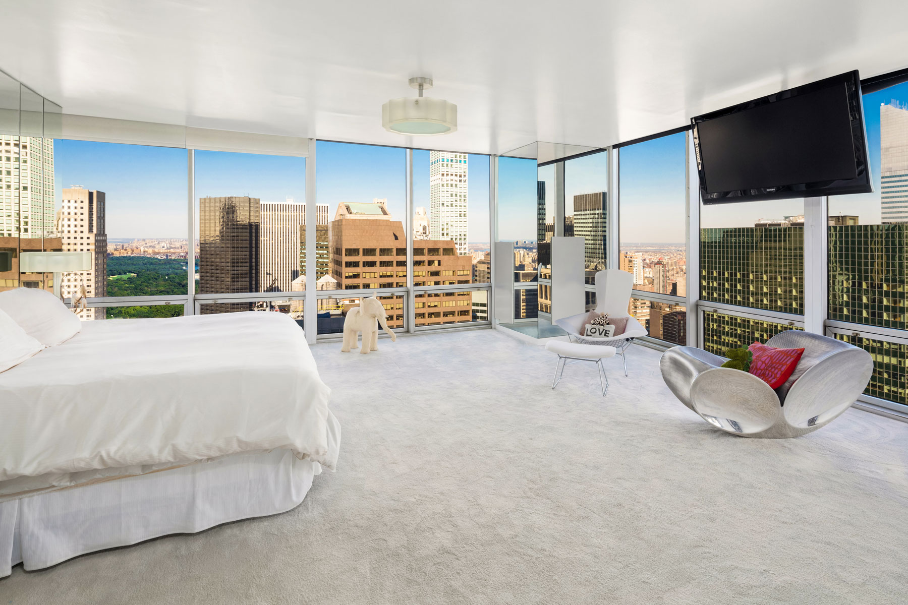 641 Fifth Avenue Interior Photo