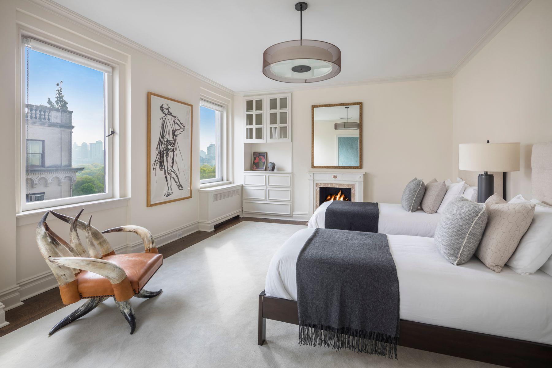 990 Fifth Avenue Interior Photo