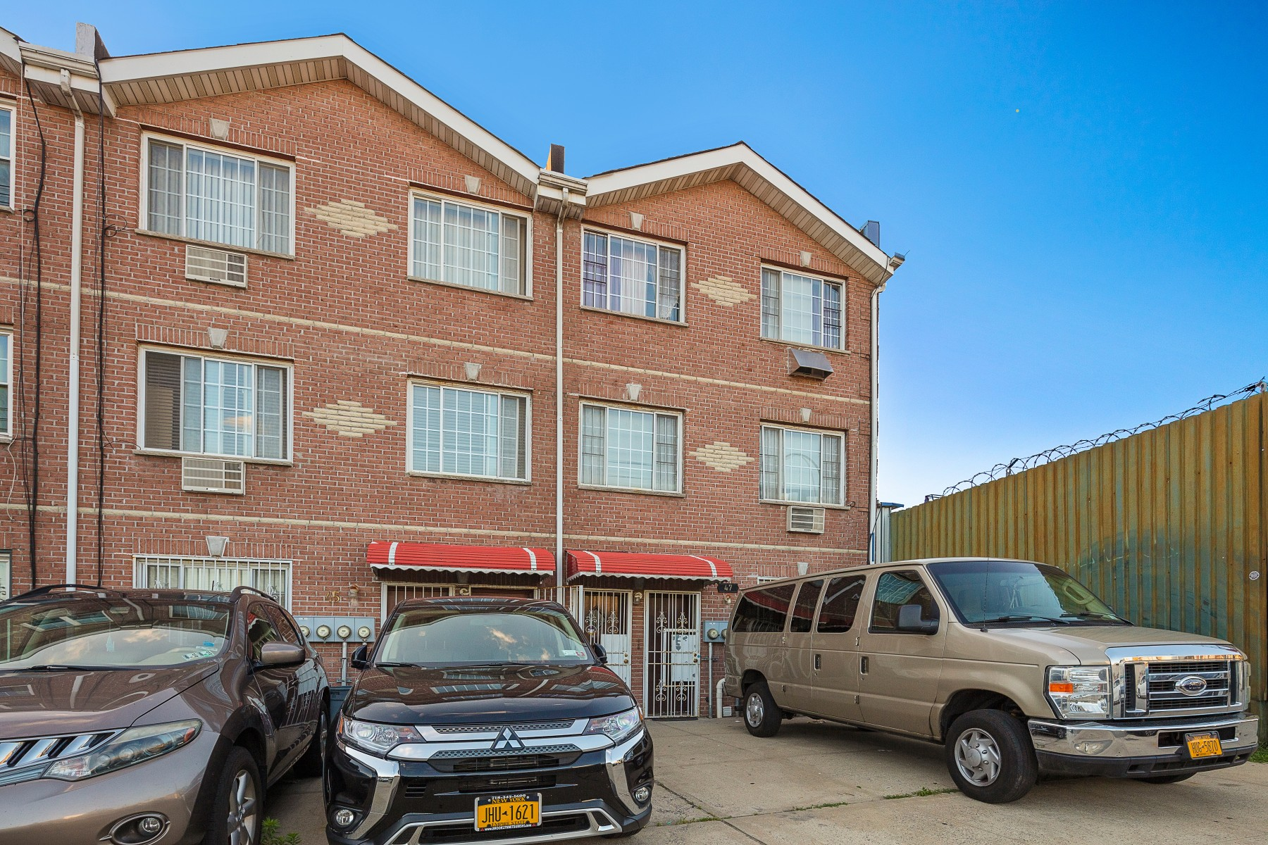 47 de Sales Pl Brooklyn, NY 11207