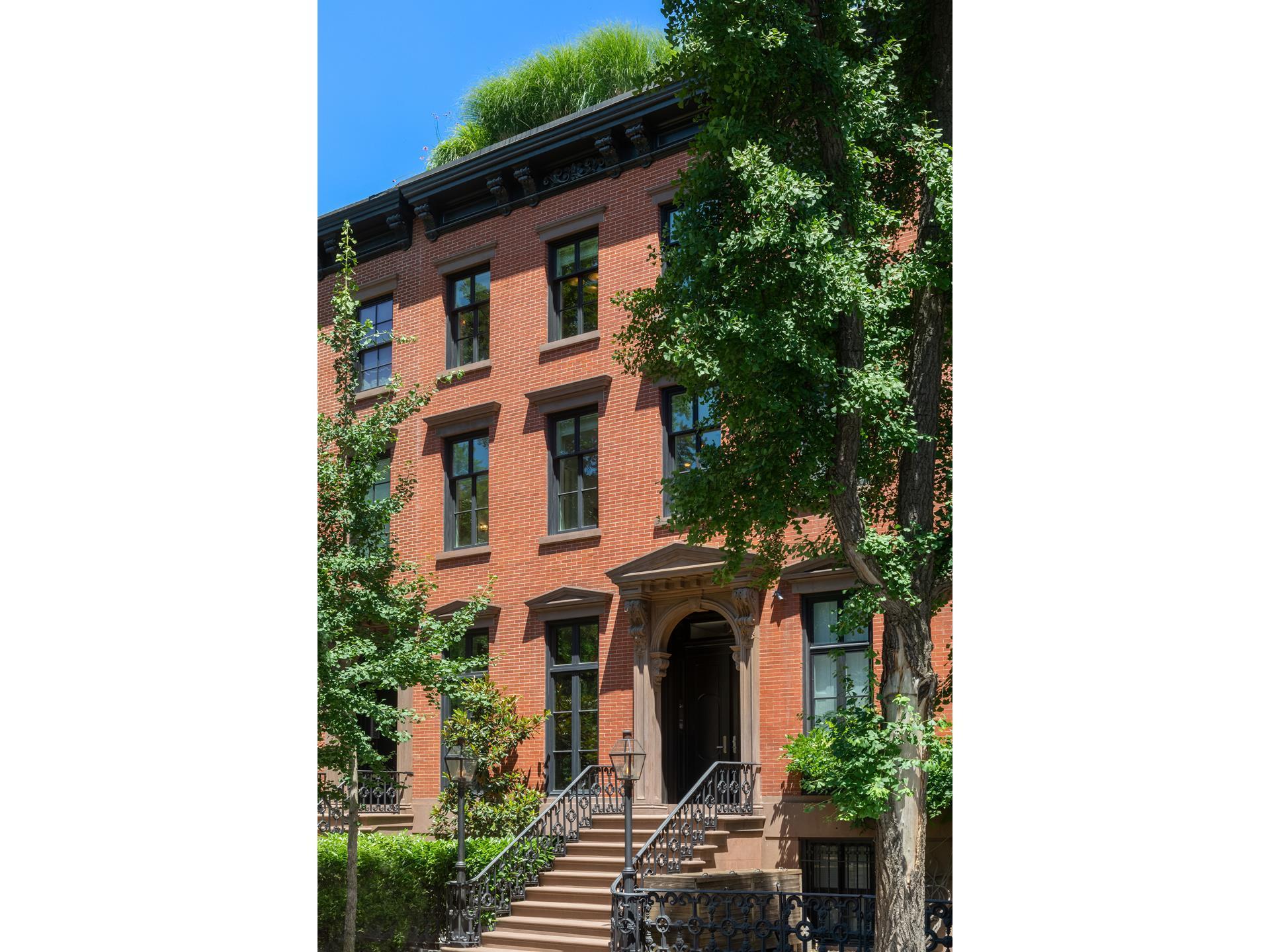 11 Saint Lukes Place New York, NY 10014