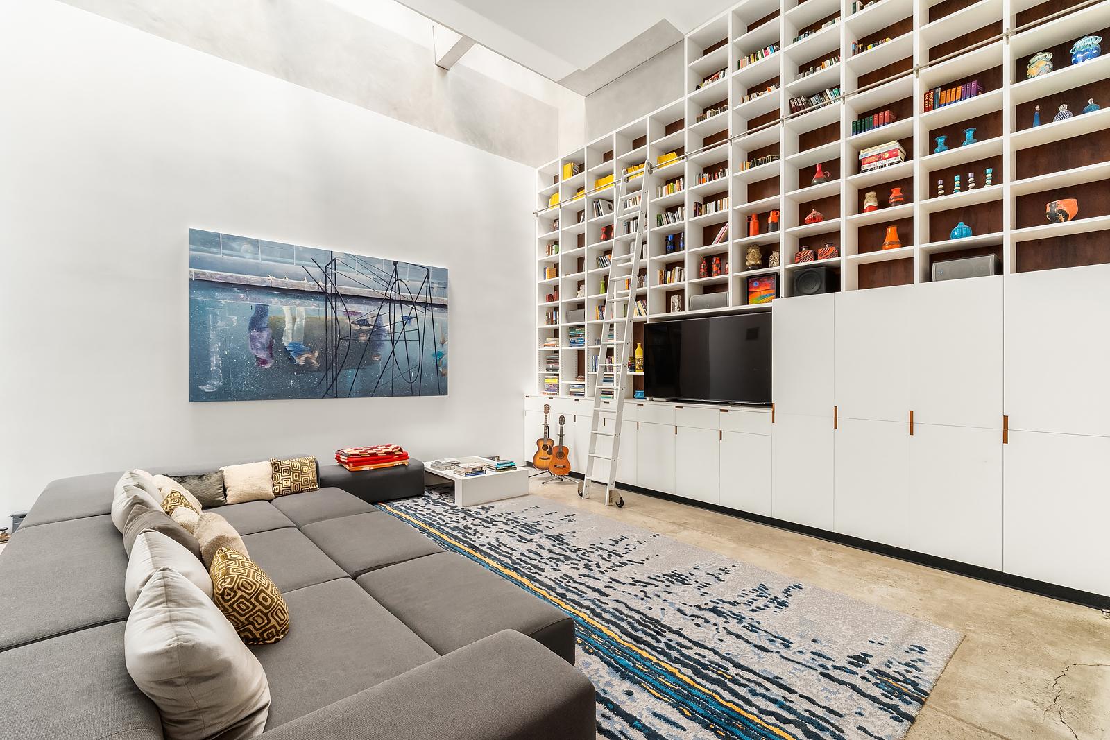829 Greenwich Street Interior Photo