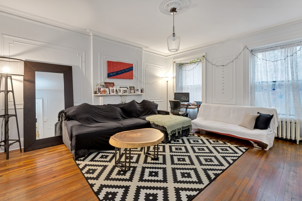 11 Townhouse in Midtown West / Hell's Kitchen