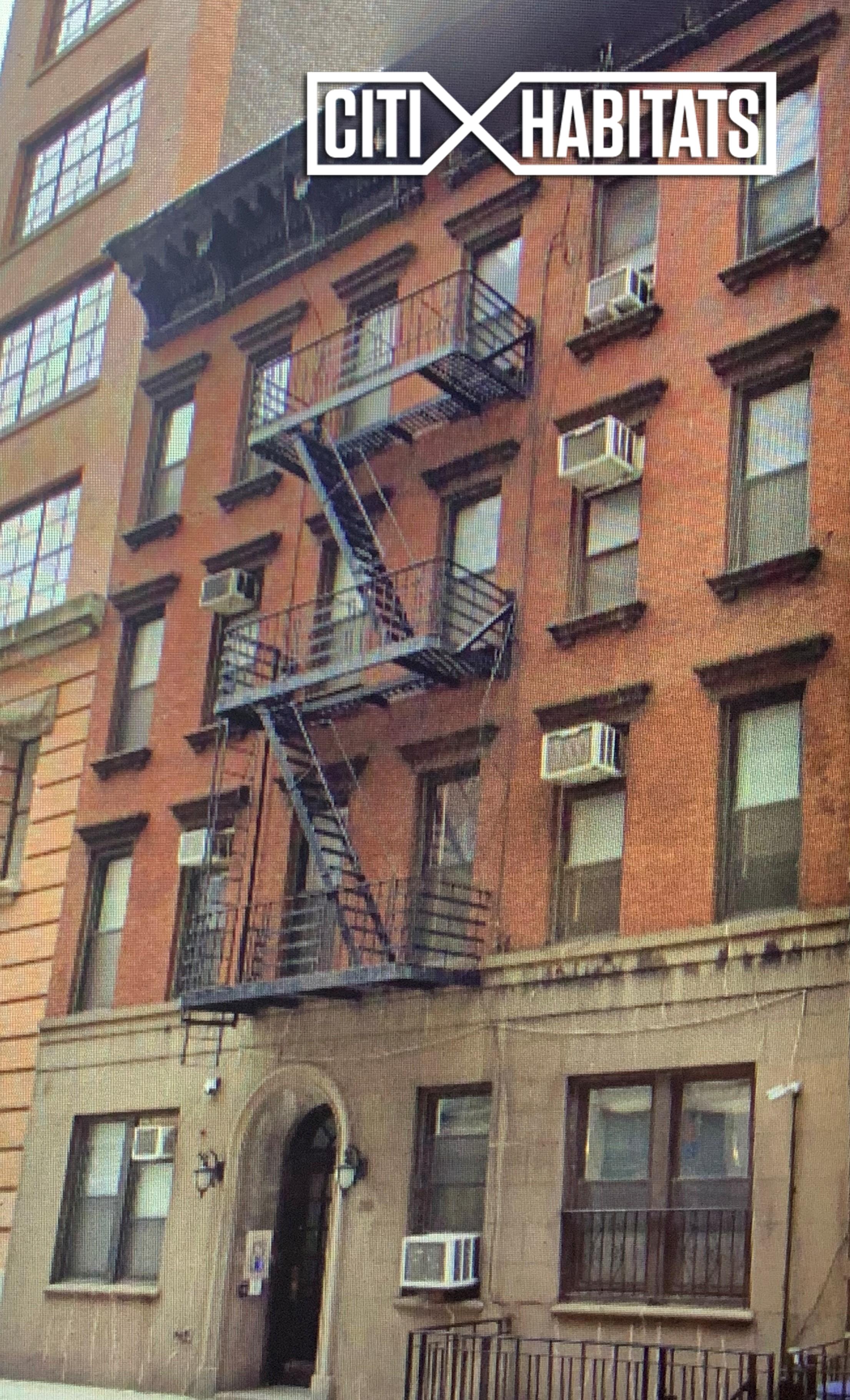 210 West 17th St New York, NY 10011