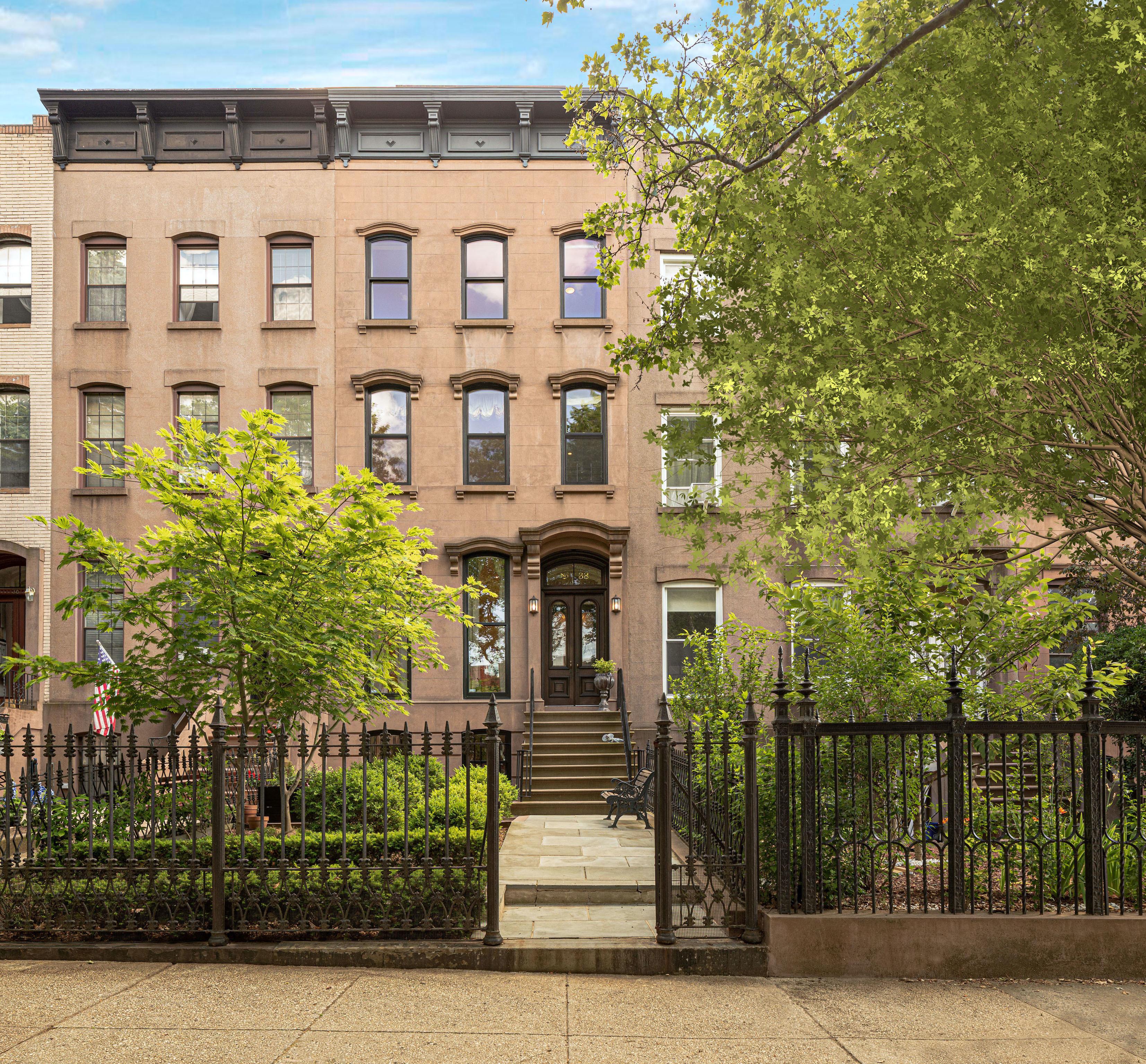 32 1st Place Carroll Gardens Brooklyn NY 11231
