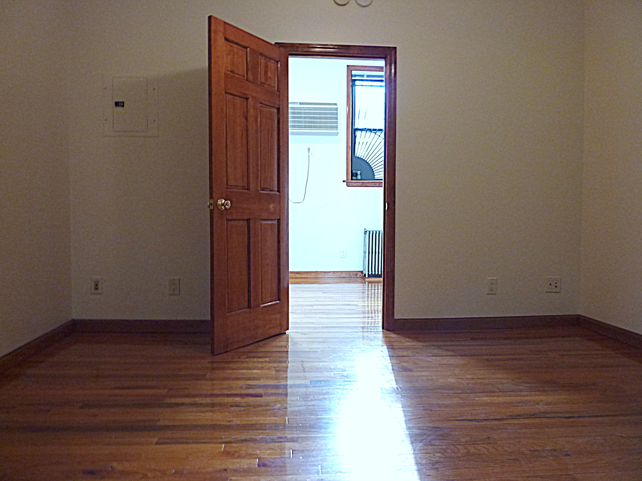 565 Rogers Avenue Interior Photo