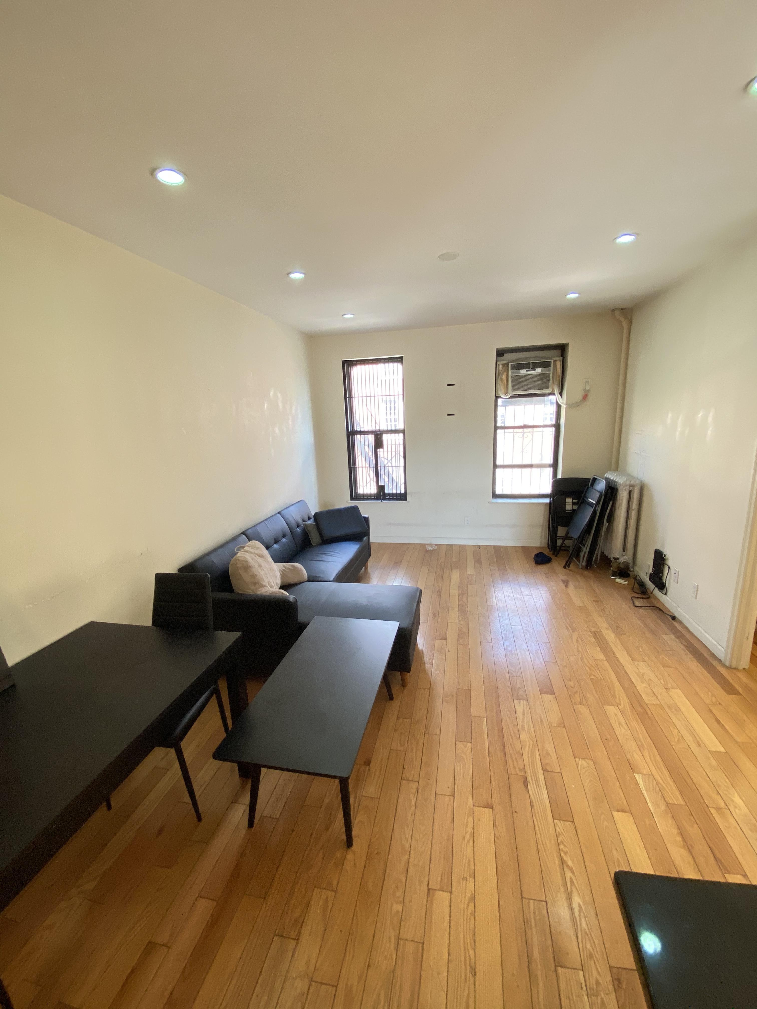 190 Wadsworth Avenue Interior Photo