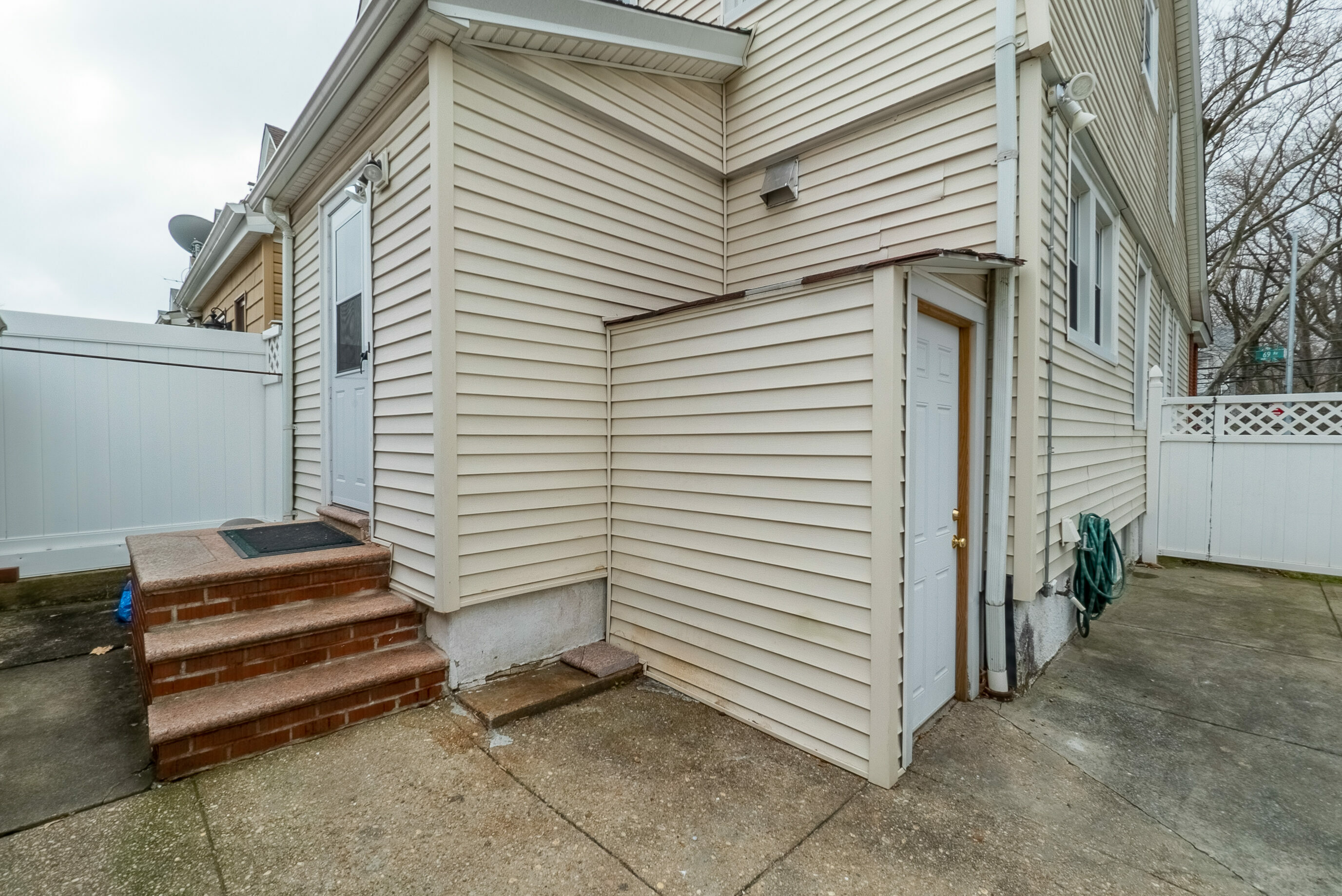 88-38 69th Avenue Forest Hills Queens NY 11375